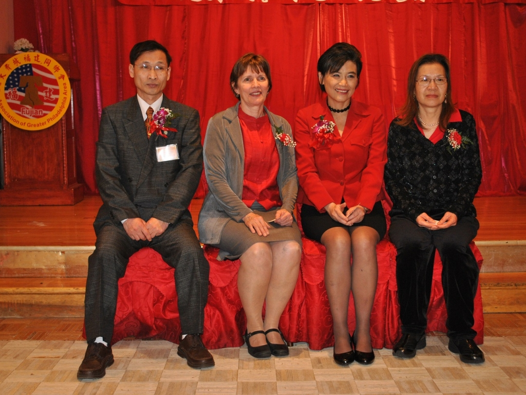 Congresswoman Judy Chu With FACTSchool赵美心会见民艺特许学校
